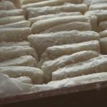 正月用のお餅。お餅も自家製だが、お米も自家栽培。おいしい。農家バンザイ。しかし、今年からは、もっと手伝わなければ…と早くも反省。 #米 #餅