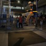 ついでに子供たちに混じって #月の重力 を堪能。 #三沢航空科学館